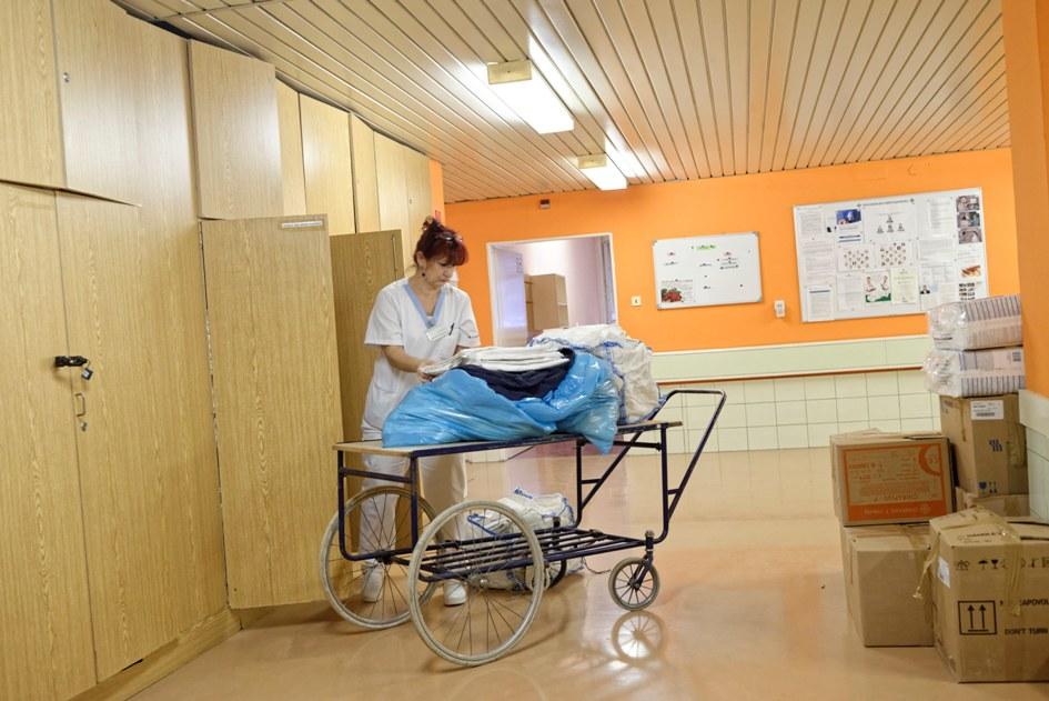 Do novej nemocnice v Michalovciach sa začali sťahovať prví pacienti