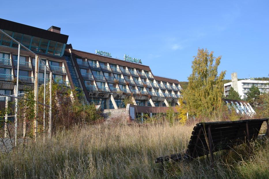 ŠÍRAVA: Pozrite si ako neslávne skončil jeden z najmodernejších hotelov