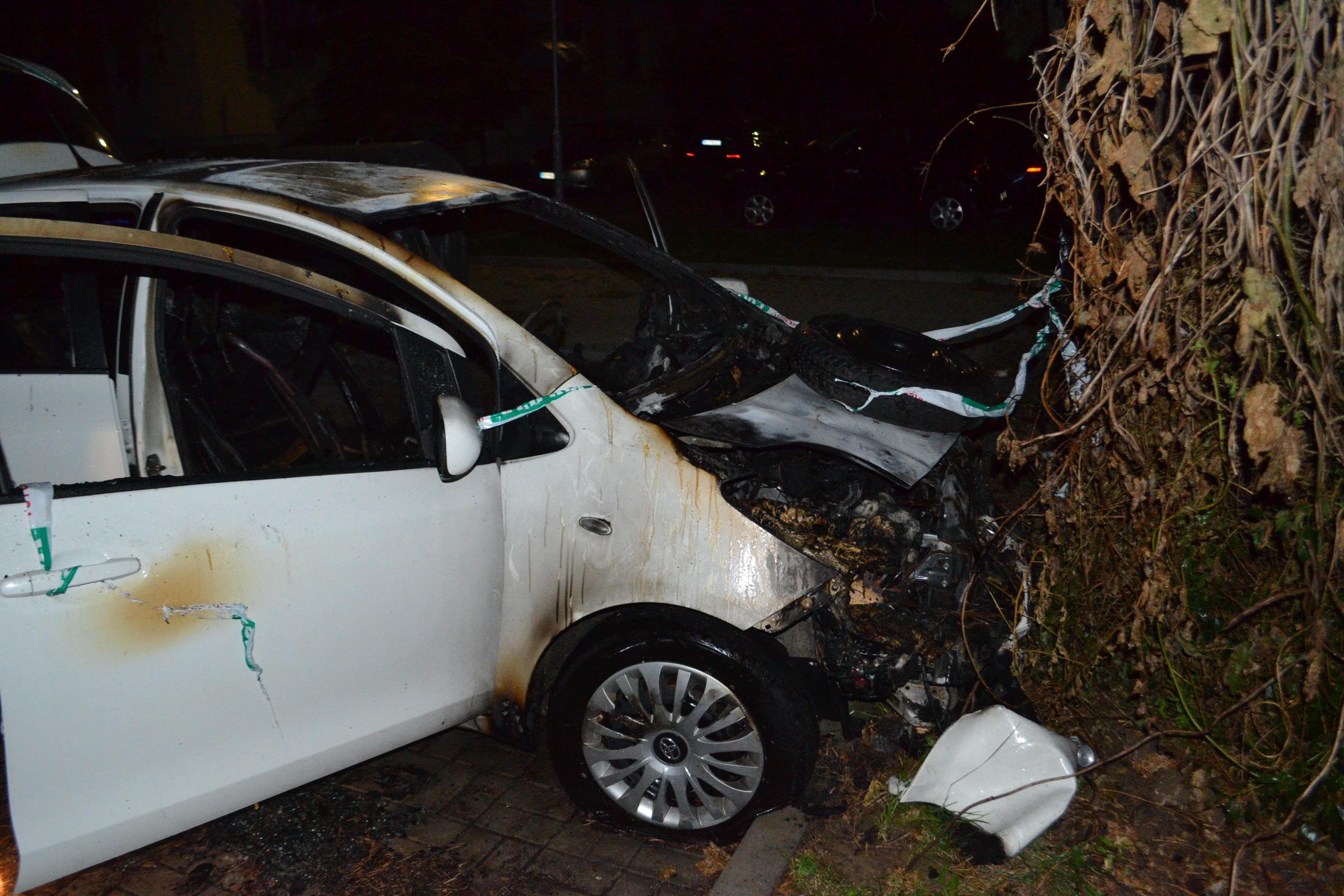 V Michalovciach v noci zhorelo auto