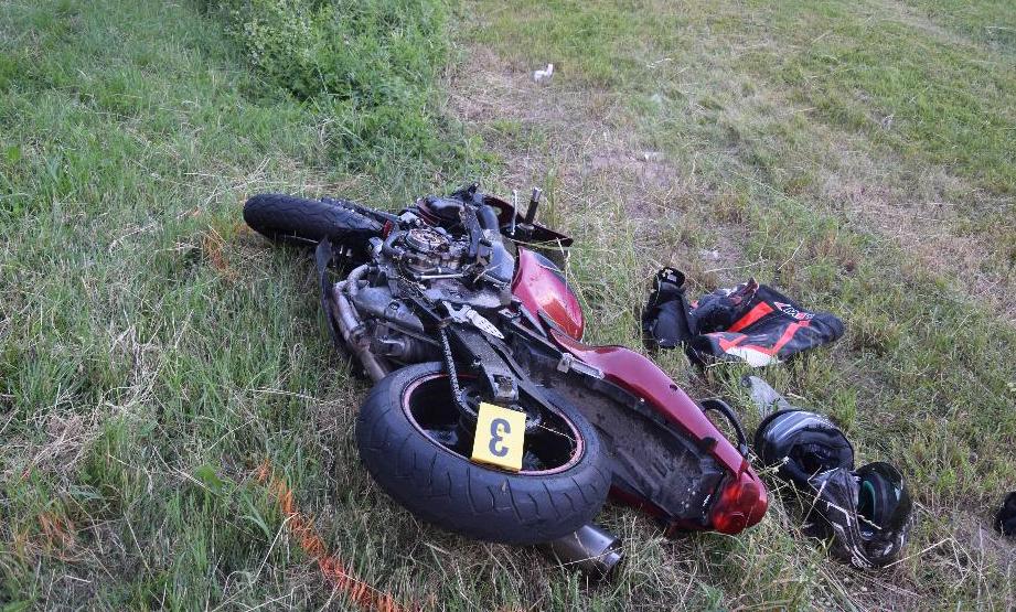 Nehoda dvoch motorkárov. Ťažko sa zranila aj 29-ročná spolujazdkyňa