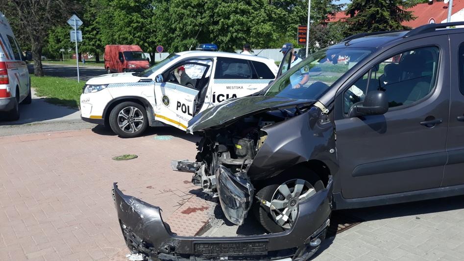 Vážna nehoda policajtov v Michalovciach !!!