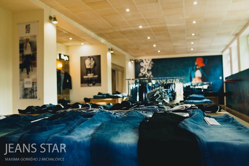 MICHALOVCE: Džínsové oblečenie je opäť trendy